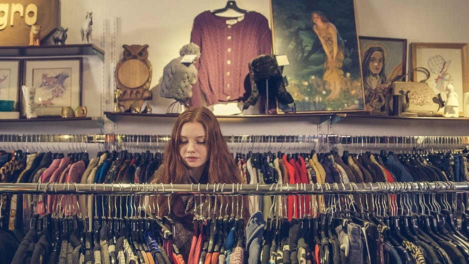 Factors to consider when choosing a Clothing Company